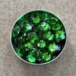 Swarovski Color : FERN GREEN